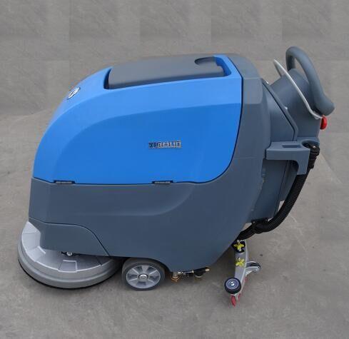 電動手推式洗地機