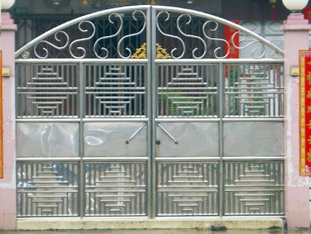 中式金属门