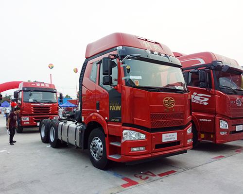 解放JH6牽引車
