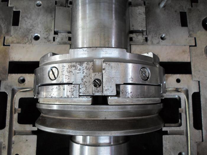富氣離心壓縮機檢修