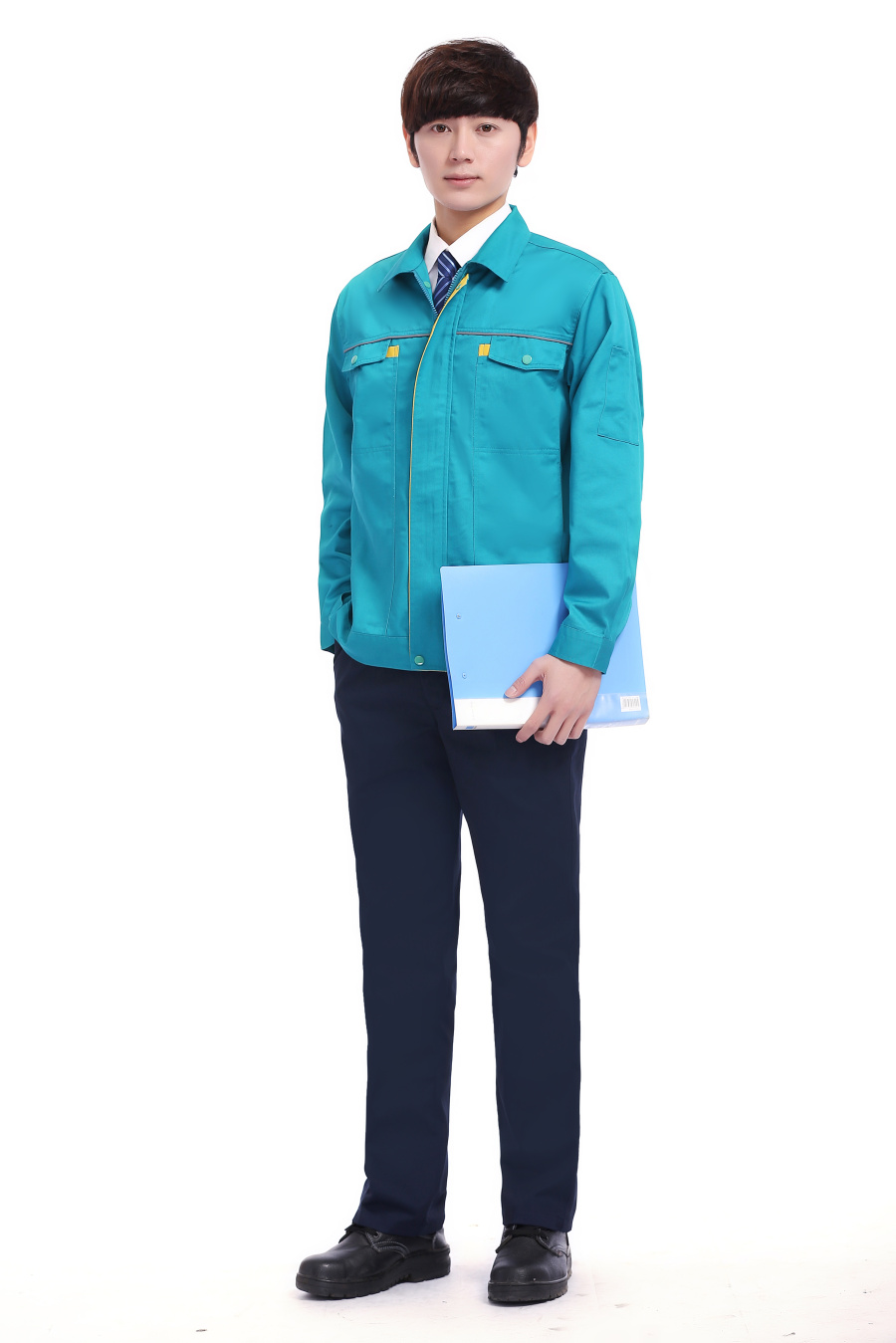 浅蓝色春装工作服