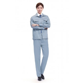 浅蓝色长袖