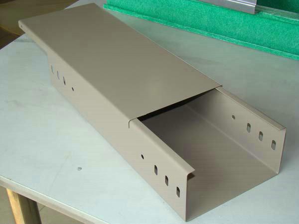 槽式喷塑电缆桥架 (1)