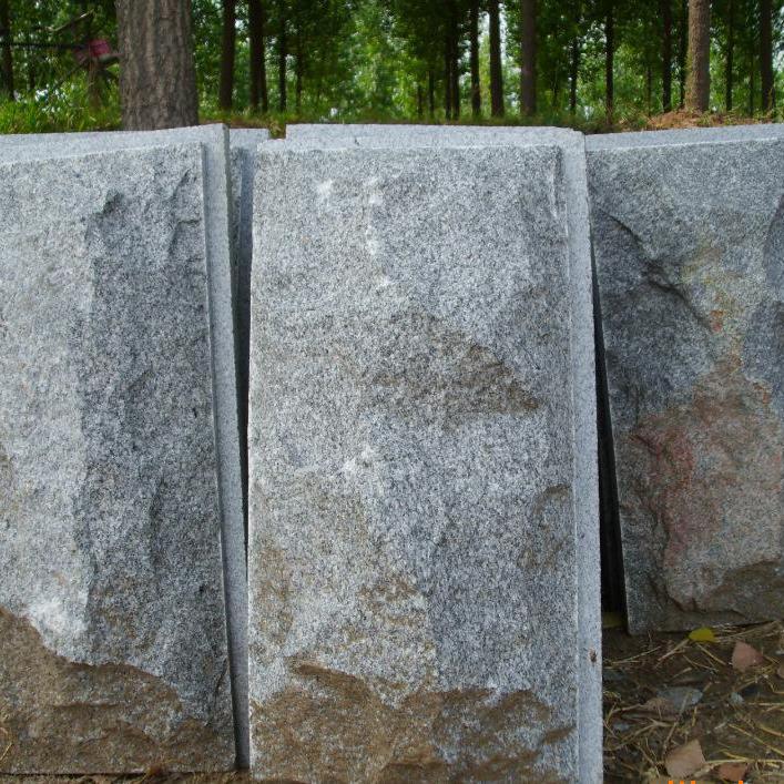 鲁灰蘑菇石