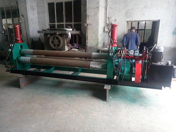非标液压卷板机 (2)