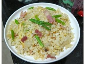 培根芦笋蛋炒饭
