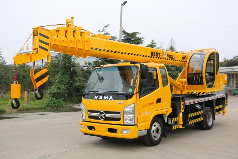 福康国五凯马8吨汽车吊