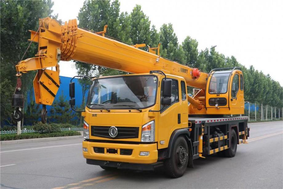 福康东风16吨吊车