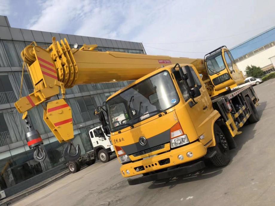 2019年新款16吨单板臂头东风吊车