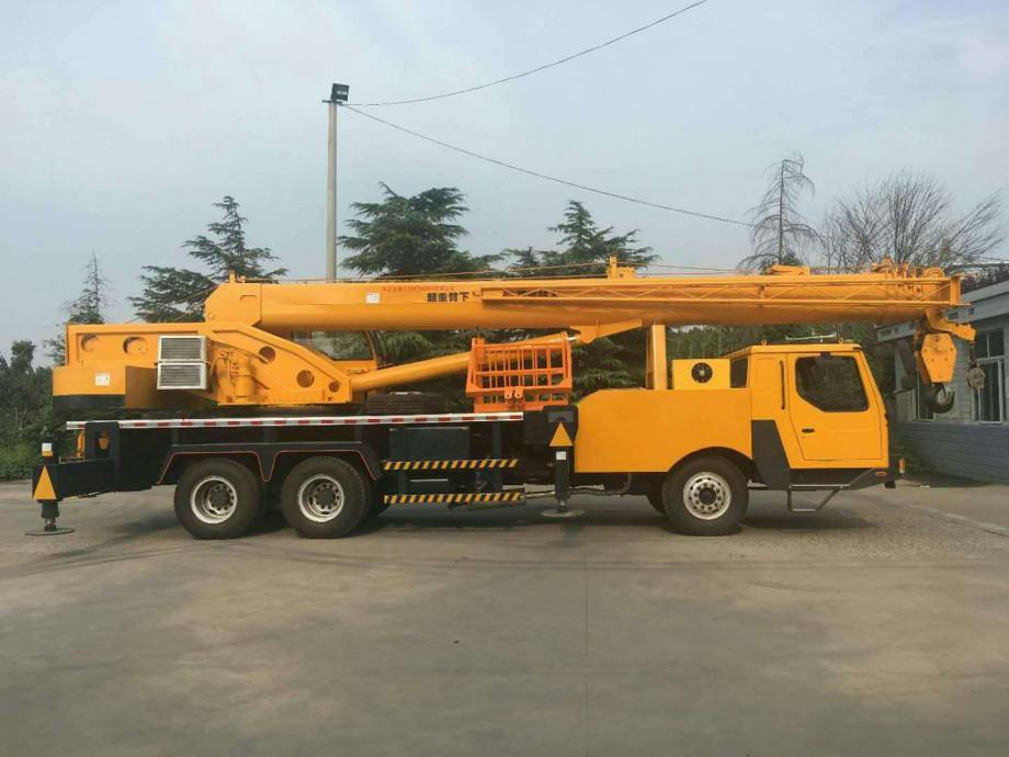 东风20吨自制吊车