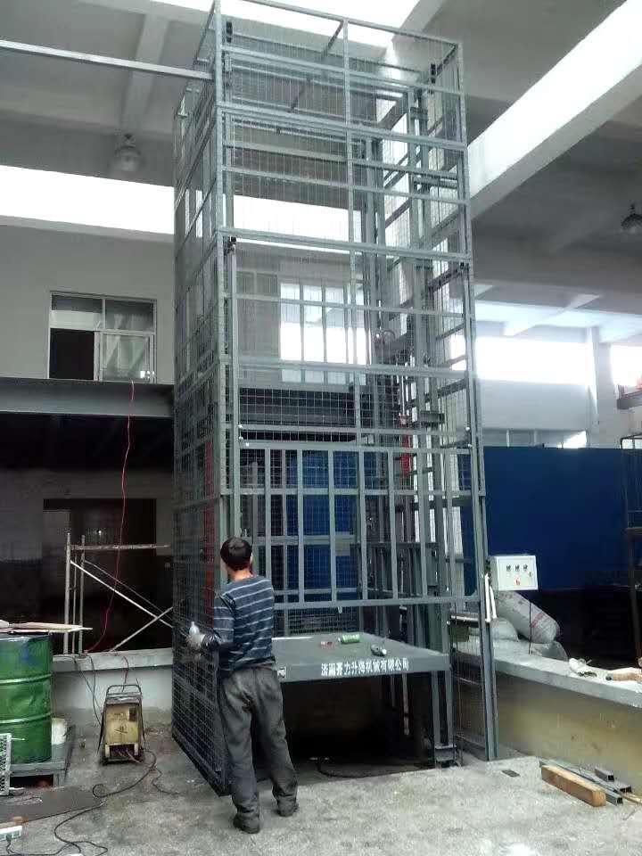 导轨液压升降机4